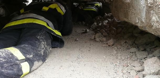 Pinzolo, Vigili del Fuoco Volontari e Soccorso Alpino e Speleologico impegnati in una simulazione di un'emergenza