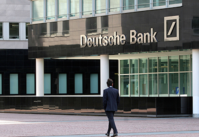 Deutsche Bank mollata dagli hedge fund, crollo in Borsa