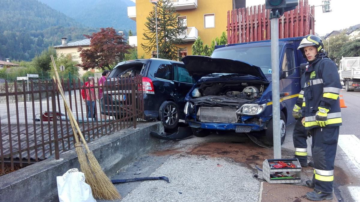 incidente a Tione via Trento  - 14 settembre 2016