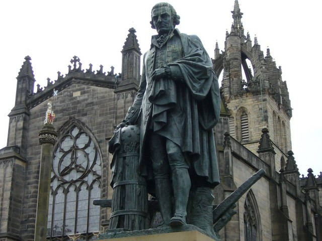 Adam Smith statua